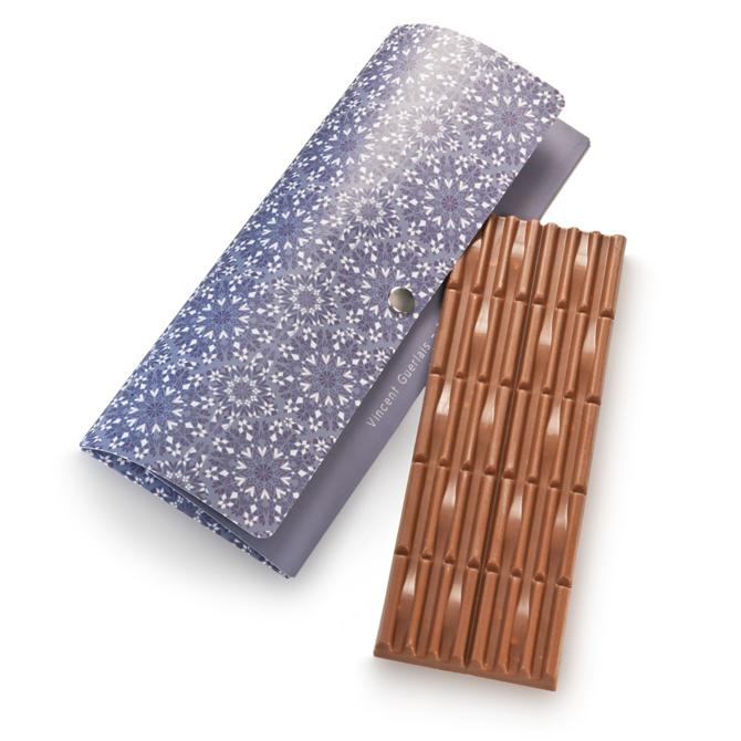 Tablette de chocolat au lait aux éclats de caramel